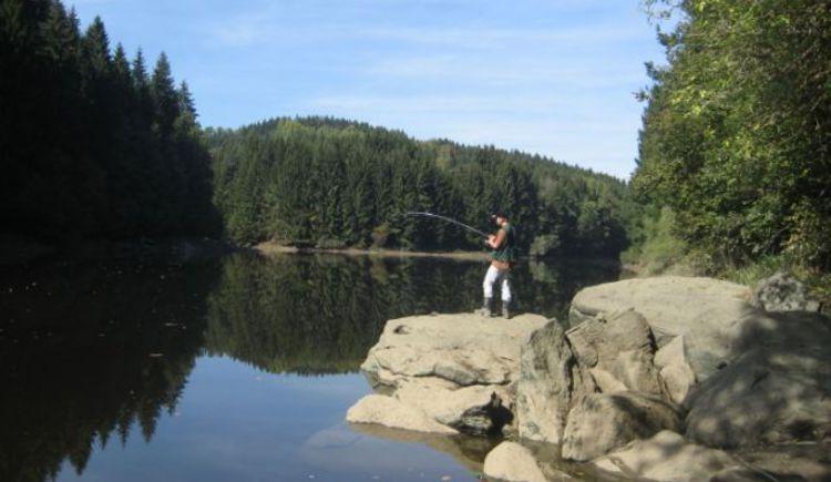Fischen im Rannastausee (© TV Pfarrkirchen)