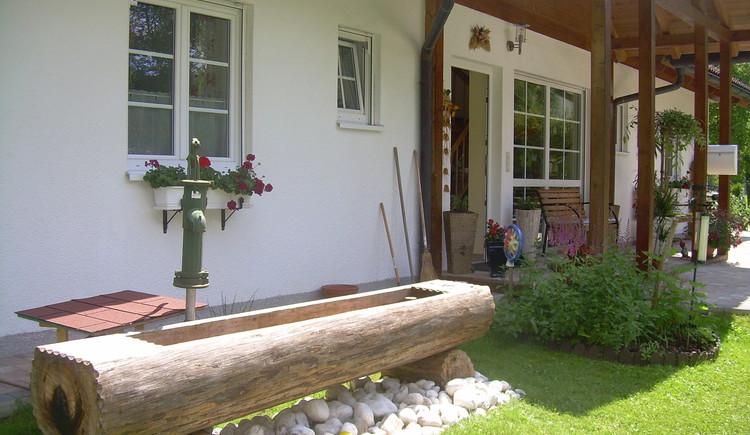 Brunnen mit frischem Quellwasser am Landhaus Bergidyll ***. (© Landhaus Bergidyll)