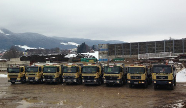 LKW's from Buchschartner earthmoving. (© Buchschartner Erdbau)