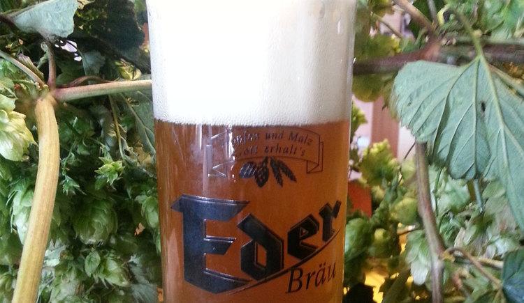 Bierprobe in der Bierbuschenschank Eder (© Eder Bräu)