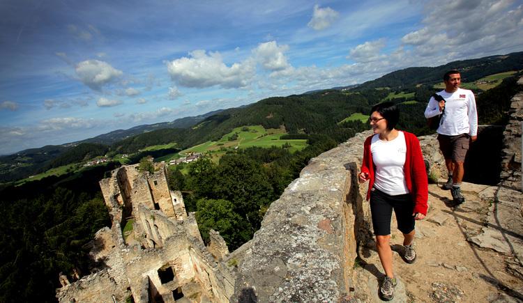 Auf der Burgruine Prandegg (© OÖ Tourismus/Weihbold)