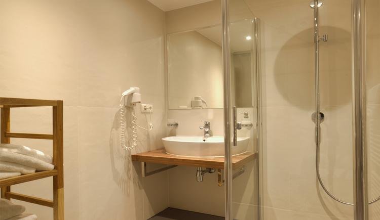 Doppelzimmer, Badezimmer (© Eberl)