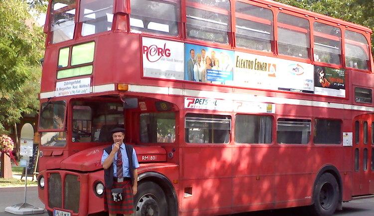 London Stockbus in Perg für Rundfahrten, Ausflüge