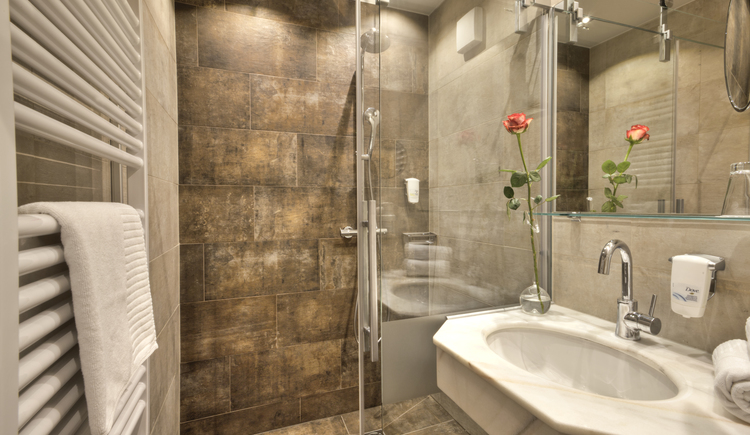 Hotel Sommerhof - Badezimmer Tannenwald/Morgensonne