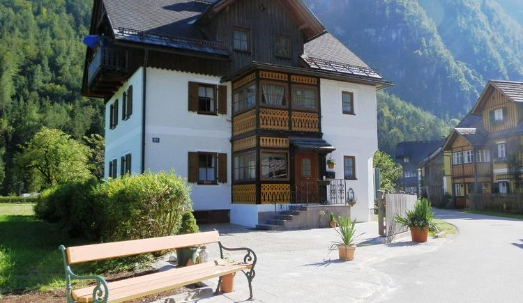 Vorderansicht der Ferienwohnung Aschauer in Hallstatt. (© Aschauer)