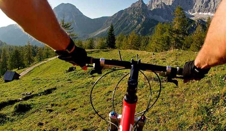 Mountainbiken auf der Dachsteinrunde (© Steiermark Tourismus/Leo Himsl)