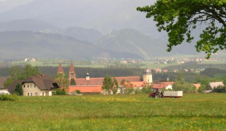 Blick auf Seckau (© Verein BENEDIKT BE-WEG-T)