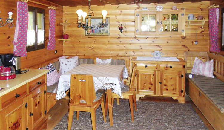 Auf dem Foto sieht man die Innenansicht der Stube im Ferienhaus s'Badl Bad Goisern.