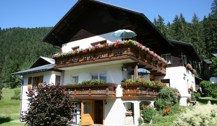 Here you can see the Haus Schmaranzer in Summer. (© Schmaranzer Andrea)