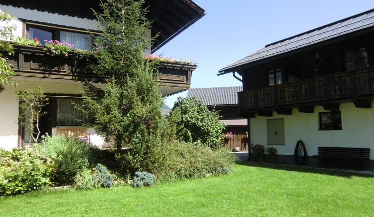The house is located near the Lake Hallstatt in the Holiday Region Dachstein Salzkammergut.