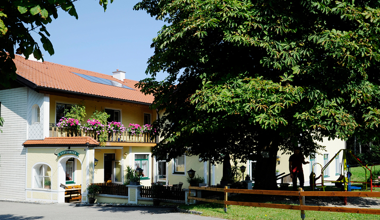 Gasthof Pension Reisecker, Lohnsburg, Garten