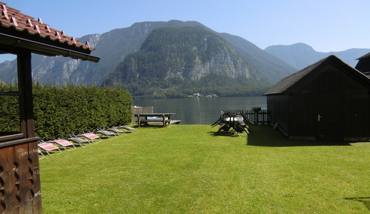The house Tapler has an own lake Access to the Lake Hallstatt.