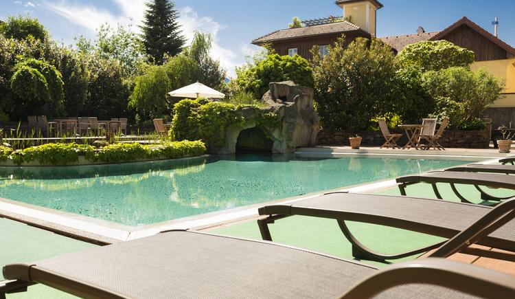 Poolgarten (© Hotel Aichinger)
