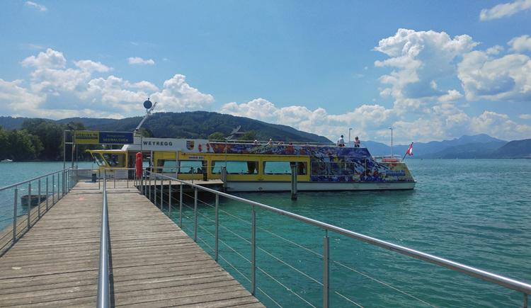 Schiffanlegestelle Seewalchen am Attersee Ankunft der Weyregg