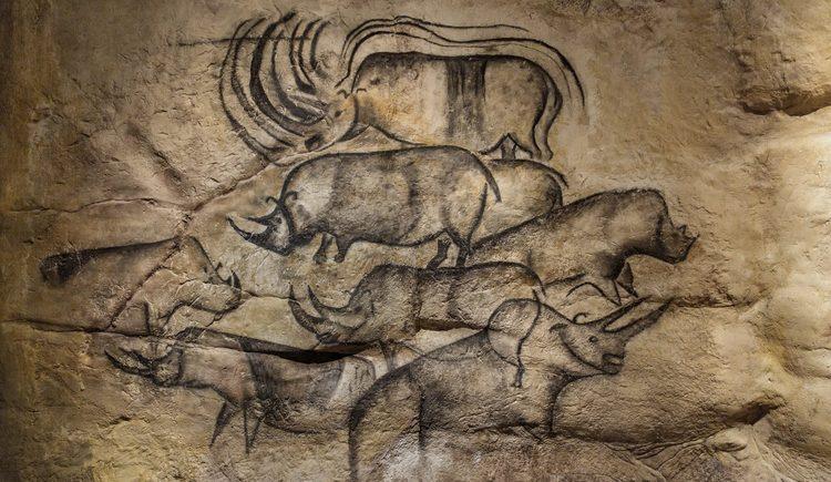 Höhlenmalerei in der nachgebildeten Höhle Chauvet