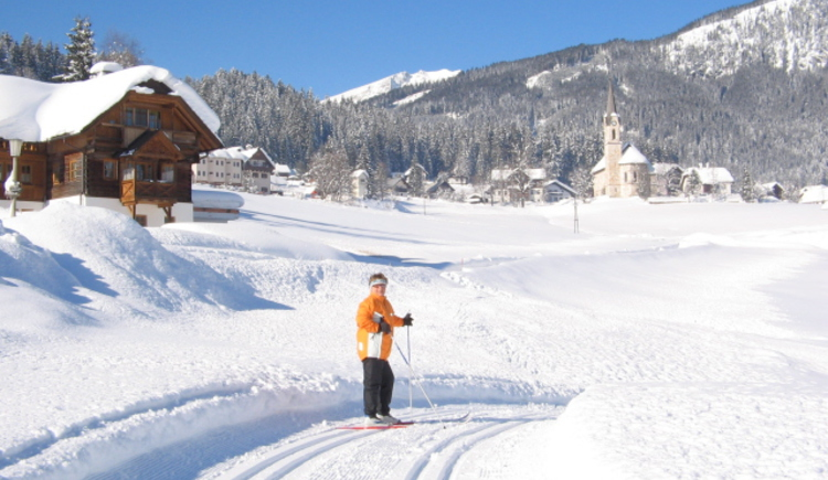 Cross country skiing is perfectly beautiful in Gosau