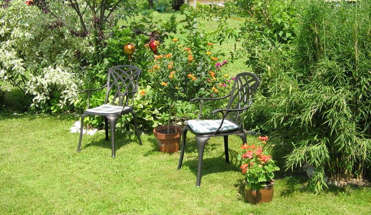 Macht es euch gemütlich in unserem Garten. (© Sieglinde Gamsjäger)