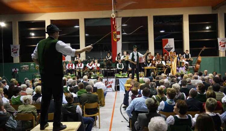 Auch die Schnalzer sind beim Aberseer Sänger- und Musikantentreffen dabei. (© WTG)