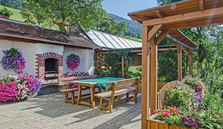 Terrasse mit Grill (© Meixner)