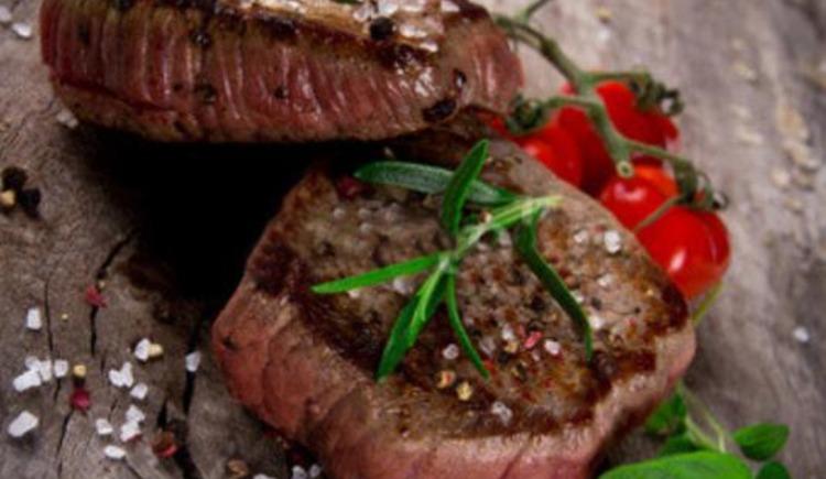 heimische Steaks im Gasthof Bayrischer Hof