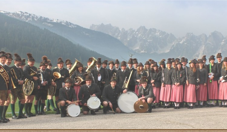 Picture of the musicians