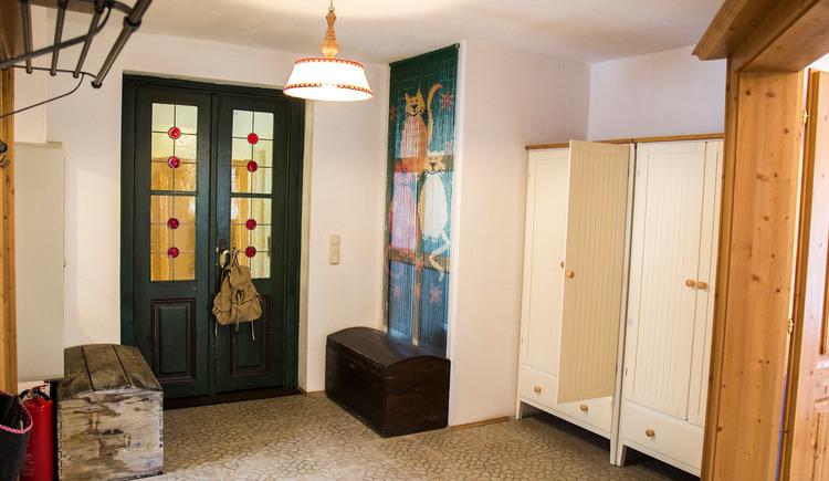 Generously designed entrance hall with wardrobe
