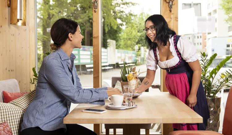 Unser Kleines Café und Eissalon. (© Unsere Servicemannschaft)