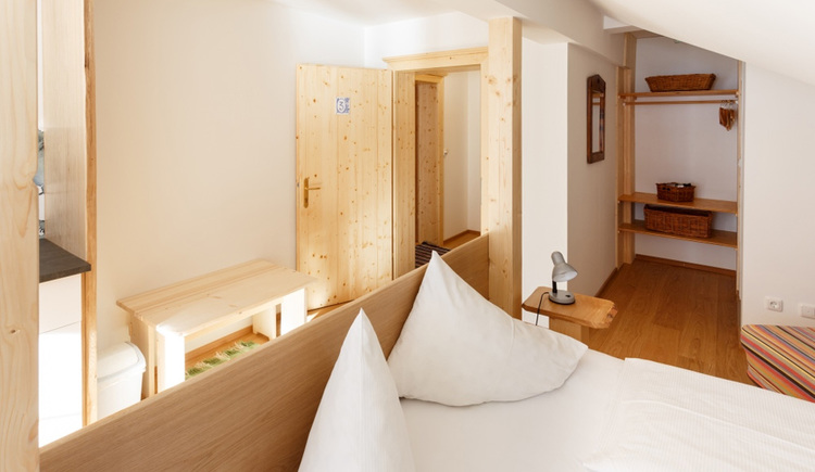 The Comfort Studio of the Apartment Hallberg with a double bed