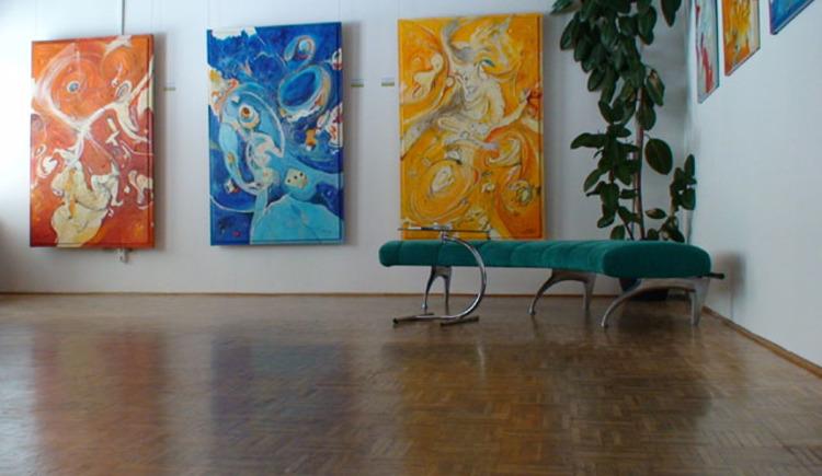 Kunsthaus mit Atelier und Austellungr\u00e4ume von K\u00fcnstler Bernd Horak