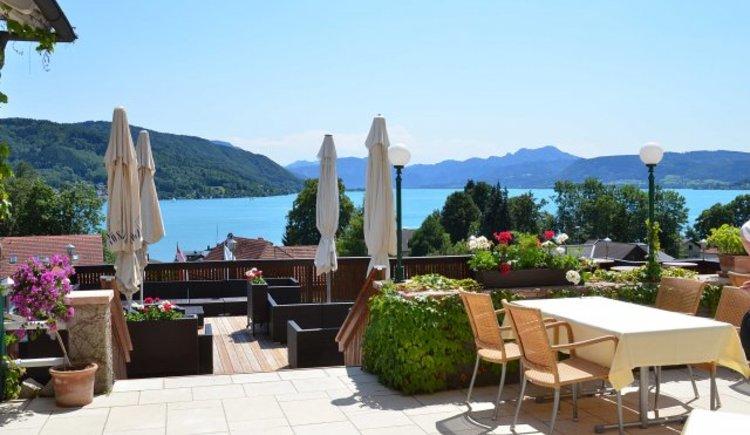 Hotel Hauepl, Blick auf Terrasse. (© Hotel Haeupl)