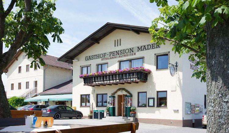 Gasthaus Mader von vorne (© Fam. Altreiter, GH Mader)