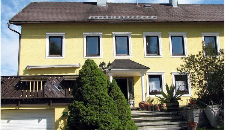 Appartementhaus Kern in Aigen-Schlägl, Hausansicht.