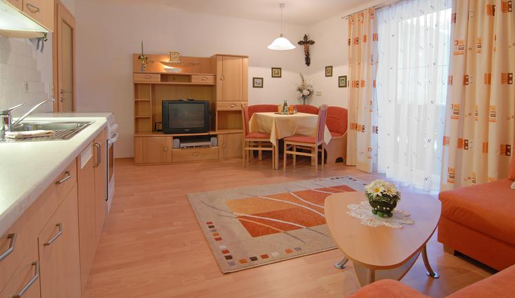 Kloibergütl, Ferienwohnung Wohnzimmer. (© Sams)