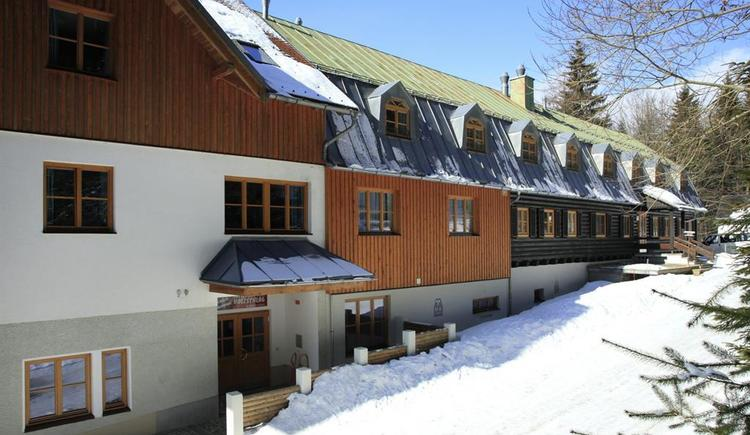 Ereignishaus im Winter