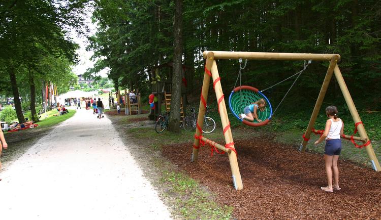 Kinderspielplatz Holzöstersee Landesseite OÖ. (© Schickmayr/TV-Franking)