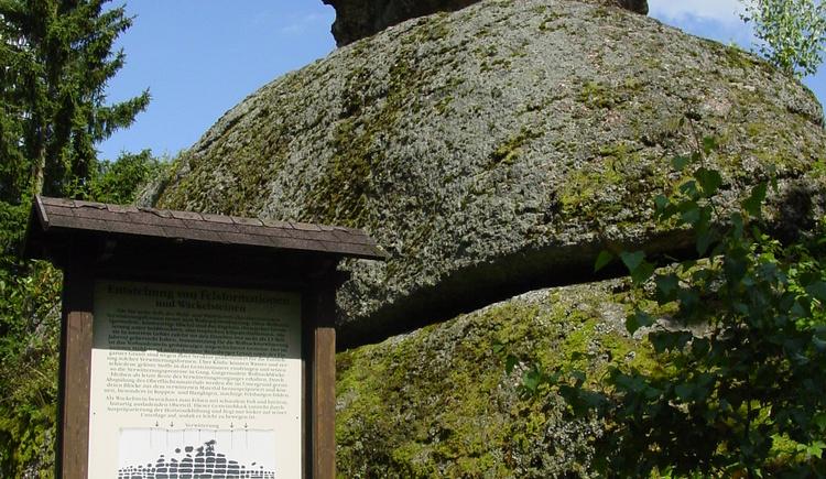 Wackelstein (© Tourismusverband Königswiesen)