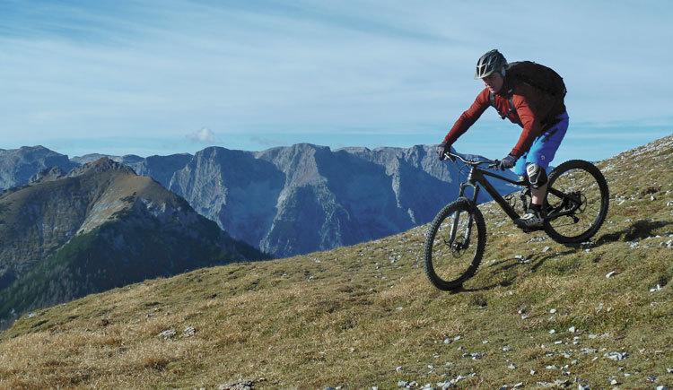 Mountainbiker, die gerne Schotterstraßen,- Trails und Single-Trails fahren
