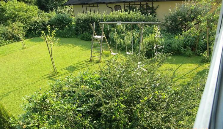 Blick in den Garten v. 1. Stock (© anni)