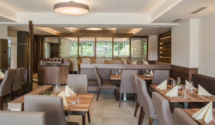 Blick ins Cafe Restaurant Sailer in Seewalchen am Attersee