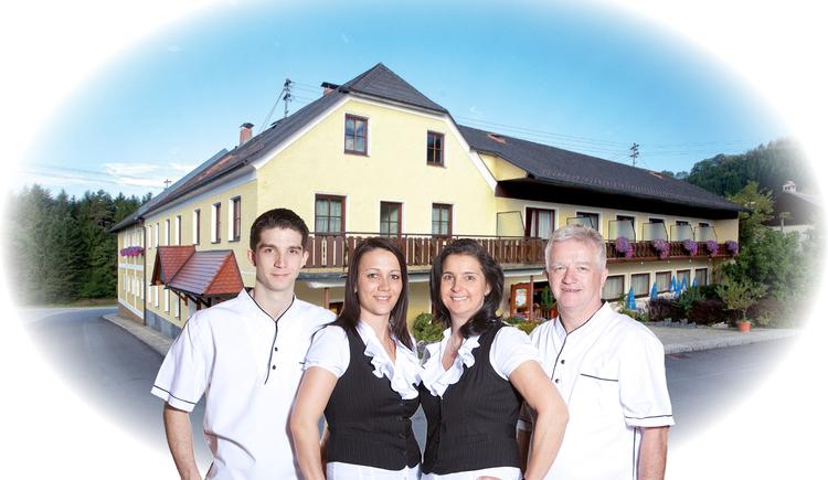 """Familie Aichinger, Gasthof \""""Zum Aigner Kreuz\"""""""