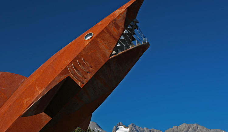 Blick auf den Hai mit Dachstein im Hintergrund. (© Ferienregion Dachstein Salzkammergut / Viorel Munteanu)