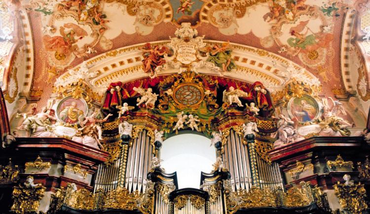 Wilhering: Stift Wilhering - Kirche mit Orgel. (© OÖ.Tourismus/Fersterer)