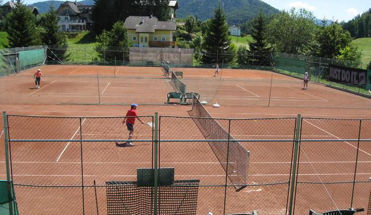 3 places to play tennis