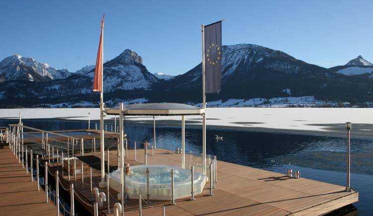 Rössl Whirlpool 37°C ganzjährig. (© Romantik Hotel Im Weissen Rössl)