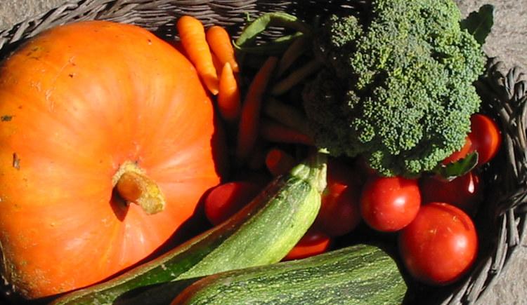 Frisches Gemüse am Rieder Bauernmarkt (© Rieder Bauernmarkt)