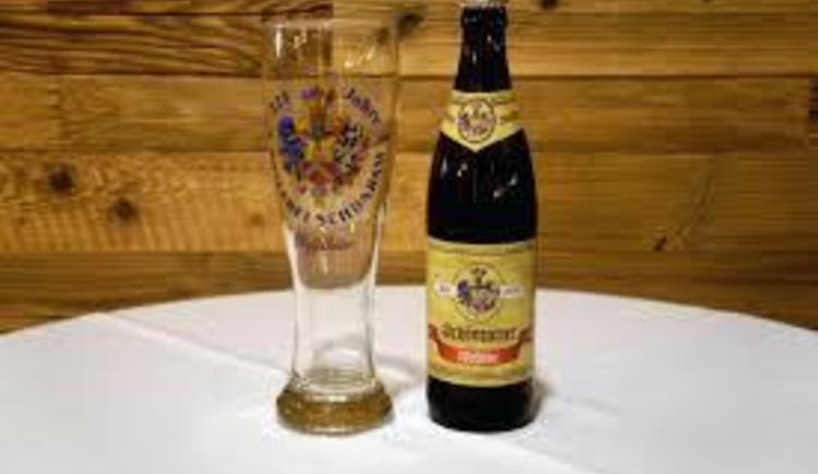 Bier auf der Moosegghütte (© Familie Rosenlechner)