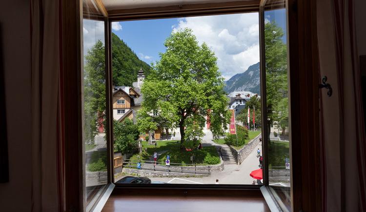 Die Aussicht des Studios der Pension Hallberg in Hallstatt. (© Pension Hallberg)