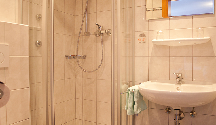 Pension Schierl - Badezimmer NEU.