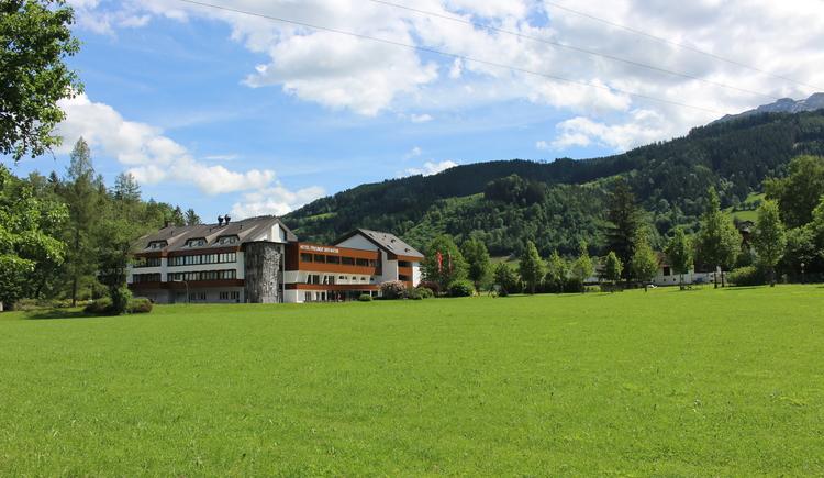 Blick auf das Hotel Freunde der Natur (© Naturfreunde Internationale)