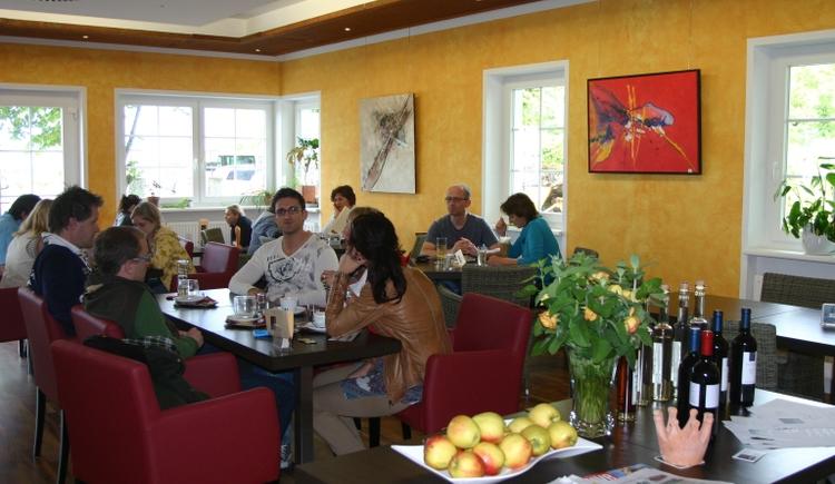 Cafe Kronberg innen.jpg